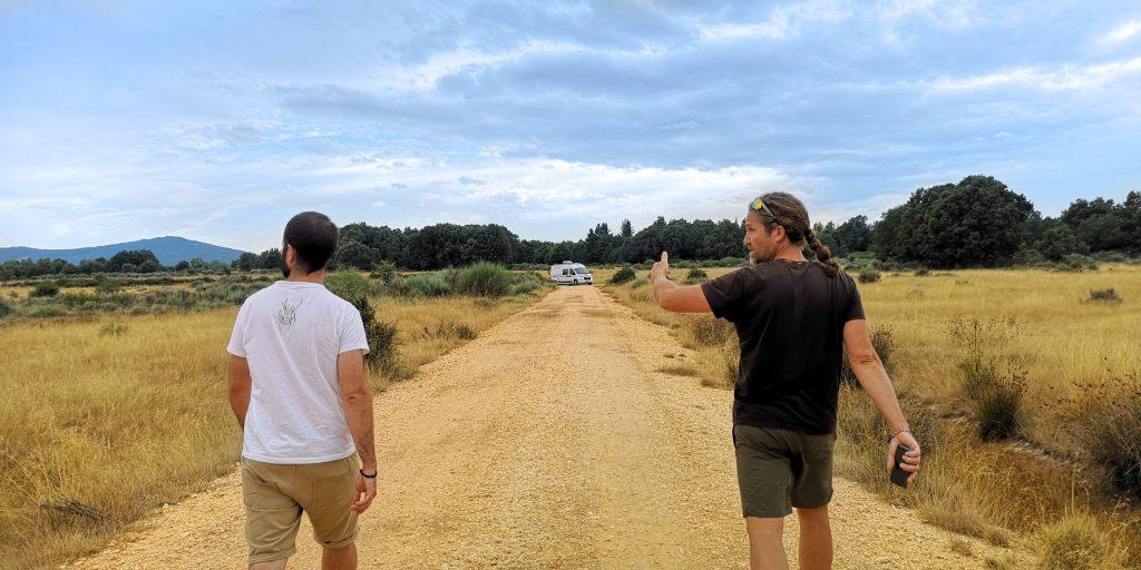 Paseo con Carlos en busca de rastros de lobos