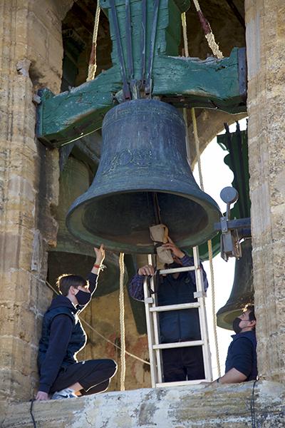 Preparando las campanas para el vuelo